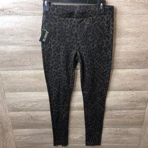 Blank NYC Womens Size 27 Black Leopard Print New